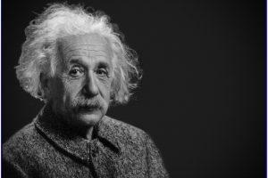 Buku Biografi tentang Kegalauan Seorang Einstein